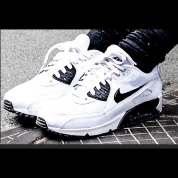 Womens Nike Air Max 90 essential white black